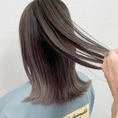 ラベンダーグレージュ グラデーションカラー グレージュ セミロング ヘアスタイルや髪型の写真・画像