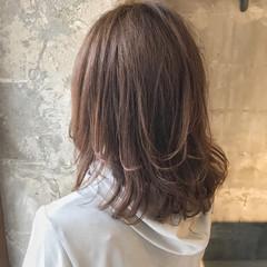 リラックス ウェーブ ナチュラル デート ヘアスタイルや髪型の写真・画像