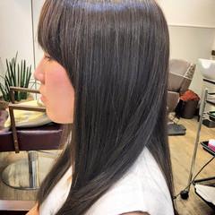 暗髪 ナチュラル アッシュ ストレート ヘアスタイルや髪型の写真・画像