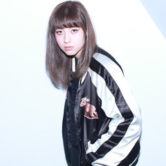 ダブルカラー 暗髪 ストリート アッシュ ヘアスタイルや髪型の写真・画像