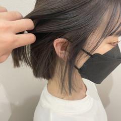 イヤリングカラー ガーリー 切りっぱなしボブ 韓国風ヘアー ヘアスタイルや髪型の写真・画像