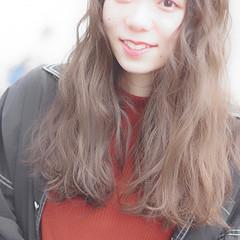 くせ毛風 かわいい ロング ガーリー ヘアスタイルや髪型の写真・画像