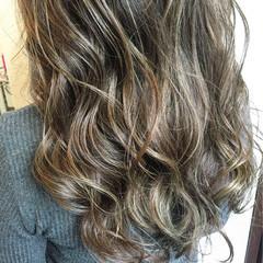 暗髪 ブルージュ ヌーディベージュ ストリート ヘアスタイルや髪型の写真・画像