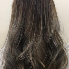 グラデーションカラー アッシュ ロング 外国人風カラー ヘアスタイルや髪型の写真・画像