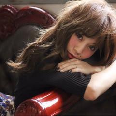 大人女子 小顔 フェミニン ナチュラル ヘアスタイルや髪型の写真・画像