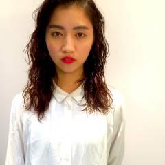丸顔 モード ウェーブ 卵型 ヘアスタイルや髪型の写真・画像