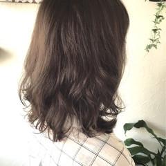 大人かわいい フェミニン アッシュ ゆるふわ ヘアスタイルや髪型の写真・画像