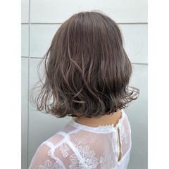 グレージュ ボブ フェミニン アッシュ ヘアスタイルや髪型の写真・画像