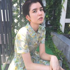 外国人風 モード 暗髪 透明感 ヘアスタイルや髪型の写真・画像