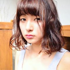 暗髪 ワイドバング ストリート 大人かわいい ヘアスタイルや髪型の写真・画像