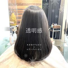 前髪 グレージュ 縮毛矯正 ナチュラル ヘアスタイルや髪型の写真・画像