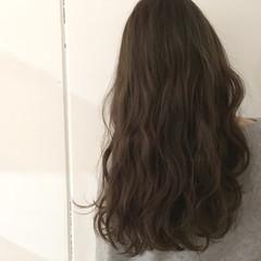 ロング グレージュ 抜け感 アッシュ ヘアスタイルや髪型の写真・画像