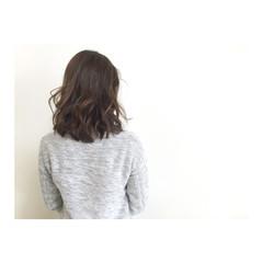 アッシュ レイヤーカット ミディアム ボブ ヘアスタイルや髪型の写真・画像
