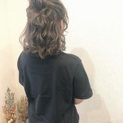 フェミニン お団子アレンジ ハーフアップ ヘアアレンジ ヘアスタイルや髪型の写真・画像
