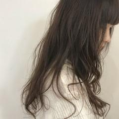 艶髪 外国人風カラー フェミニン アッシュブラウン ヘアスタイルや髪型の写真・画像