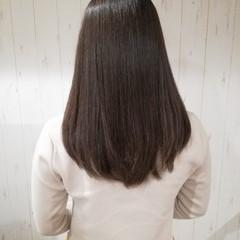 ミディアム ベージュ アッシュ 大人女子 ヘアスタイルや髪型の写真・画像