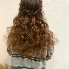 ハーフアップ 結婚式 ヘアアレンジ フェミニン ヘアスタイルや髪型の写真・画像