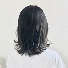 エレガント セミロング カーキ カーキアッシュ ヘアスタイルや髪型の写真・画像