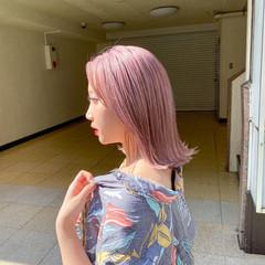 ガーリー うる艶カラー 艶髪 切りっぱなしボブ ヘアスタイルや髪型の写真・画像