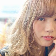 フェミニン ブラウン セミロング 外国人風カラー ヘアスタイルや髪型の写真・画像