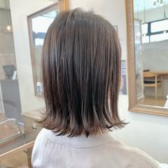ミディアム 切りっぱなし ヘアオイル イルミナカラー ヘアスタイルや髪型の写真・画像