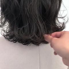 グレーアッシュ アッシュグレージュ ブルージュ ブルーアッシュ ヘアスタイルや髪型の写真・画像