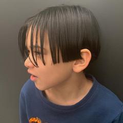 ショート ナチュラル センターパート メンズ ヘアスタイルや髪型の写真・画像