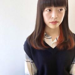 グレージュ インナーカラー ストレート インナーカラーオレンジ ヘアスタイルや髪型の写真・画像