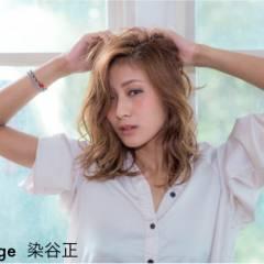 外国人風 ミディアム ナチュラル アッシュ ヘアスタイルや髪型の写真・画像