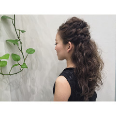 セミロング ヘアアレンジ 夏 大人かわいい ヘアスタイルや髪型の写真・画像
