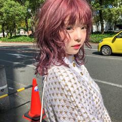 ピンクアッシュ ウルフカット ミディアム ガーリー ヘアスタイルや髪型の写真・画像