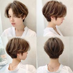 ショート ハイライト フェミニン デート ヘアスタイルや髪型の写真・画像