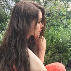 ガーリー ロング グレージュ アッシュベージュ ヘアスタイルや髪型の写真・画像
