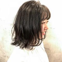 前髪あり ミディアム デート 外ハネ ヘアスタイルや髪型の写真・画像