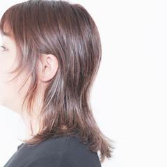 セミロング ミルクティーアッシュ 大人女子 ミルクティー ヘアスタイルや髪型の写真・画像