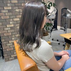 アッシュグラデーション ナチュラル セミロング N.オイル ヘアスタイルや髪型の写真・画像
