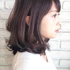 オフィス 透明感 大人女子 パーマ ヘアスタイルや髪型の写真・画像