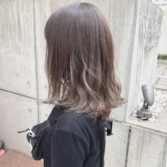 ミディアム アッシュ グラデーションカラー ナチュラルグラデーション ヘアスタイルや髪型の写真・画像