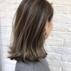 ミルクティーグレージュ ナチュラル グレージュ 透明感カラー ヘアスタイルや髪型の写真・画像