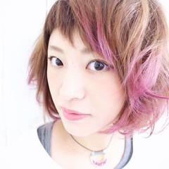 ピンク オン眉 パープル モード ヘアスタイルや髪型の写真・画像