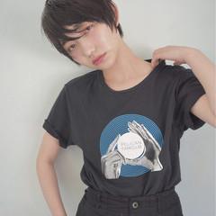 ショート 黒髪 アウトドア アッシュ ヘアスタイルや髪型の写真・画像