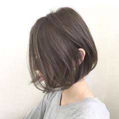 大人女子 小顔 アッシュ ミルクティー ヘアスタイルや髪型の写真・画像