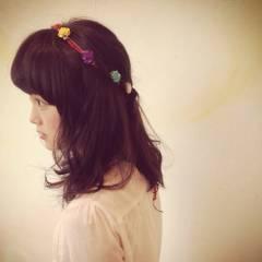 ミディアム ナチュラル ガーリー ヘアアレンジ ヘアスタイルや髪型の写真・画像