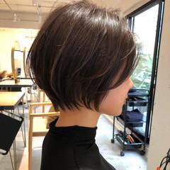 ショートヘア ナチュラル デジタルパーマ デート ヘアスタイルや髪型の写真・画像