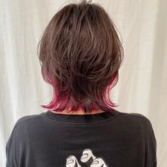 ショートボブ 切りっぱなしボブ ストリート ミニボブ ヘアスタイルや髪型の写真・画像