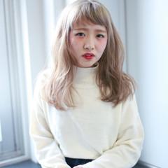 外国人風 ベージュ ゆるふわ フェミニン ヘアスタイルや髪型の写真・画像