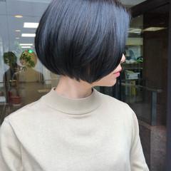 ミニボブ グレージュ ナチュラル ボブ ヘアスタイルや髪型の写真・画像