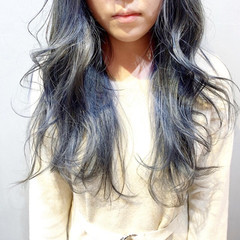 グレージュ ミルクティーグレージュ グレーアッシュ ストリート ヘアスタイルや髪型の写真・画像