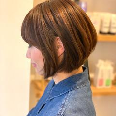 ショート ベージュ ショートヘア ナチュラル ヘアスタイルや髪型の写真・画像