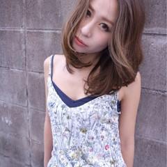 ミディアム ストリート ミルクティー 外国人風 ヘアスタイルや髪型の写真・画像